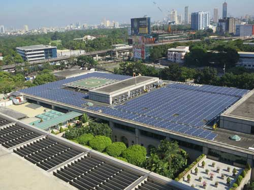 Asian Development Bank (ADB) solar rooftop power plant: the first of its kind in the Philippines that's also the biggest roof mounted installation in Southeast Asia. This system can generate 570kW of green energy.