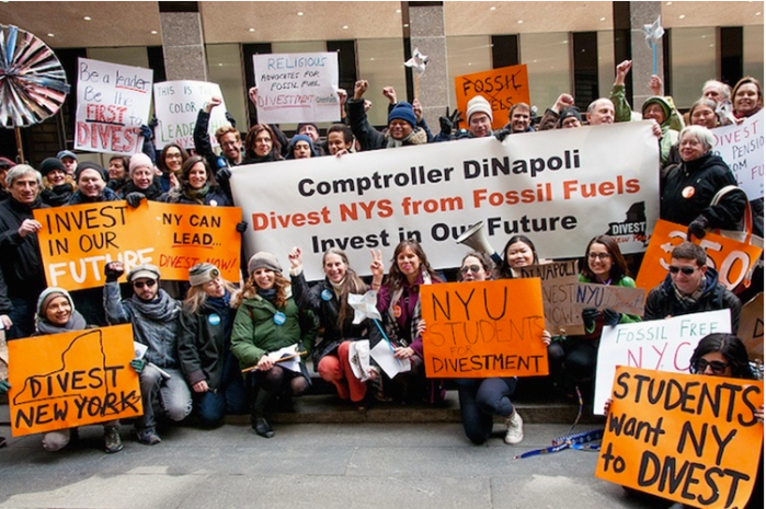 Protestors call on the State of New York to divest from fossil fuels. Photo credit: Adam Welz for 350.org / Flickr